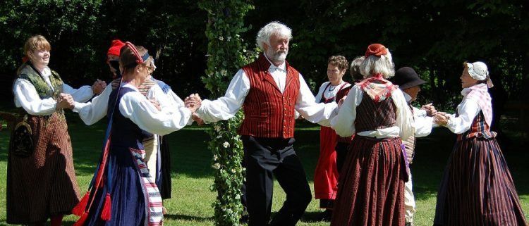 folk dancing at Whitby Folk Week