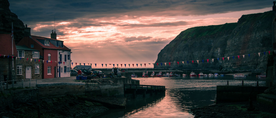 Staithes sunset on the harbour