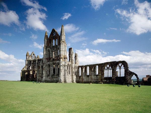 Whitby Abbey (English Heritage), Whitby