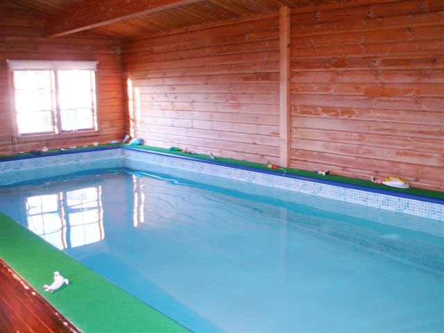 The swimming pool at Farsyde Farm Cottages