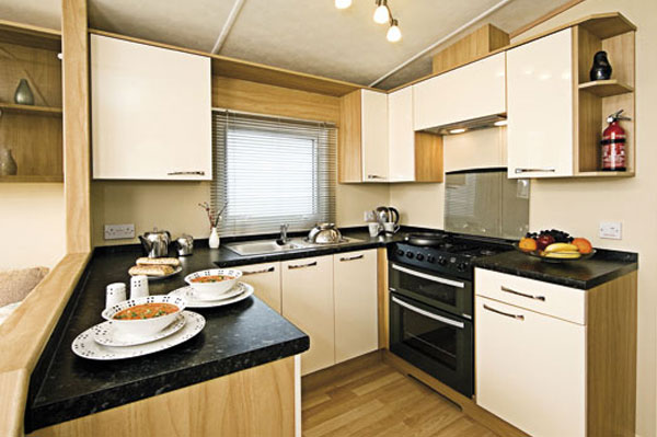 A delightful kitchen at The Flask Inn Holiday Park