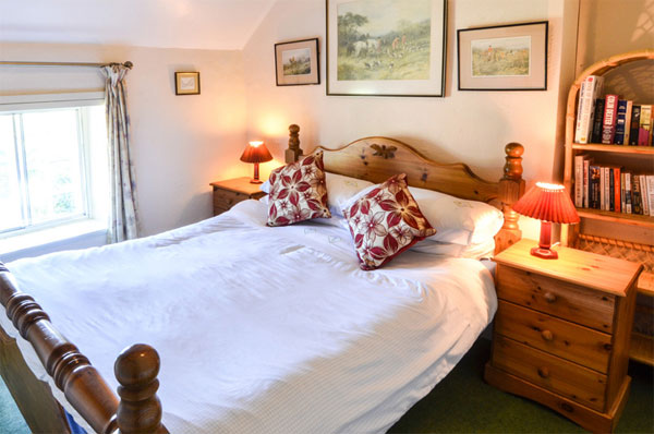 Cosy double bedroom at the Farm, Aislaby Lodge Cottages