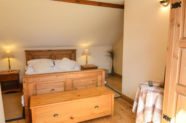 Delightful double bedroom at the Home, Aislaby Lodge Cottages