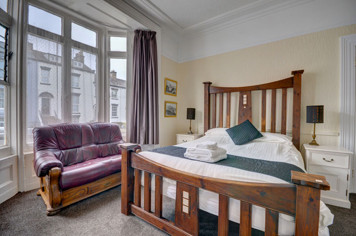 A Superior Kingsize bedroom at The Corner Guest House, Whitby