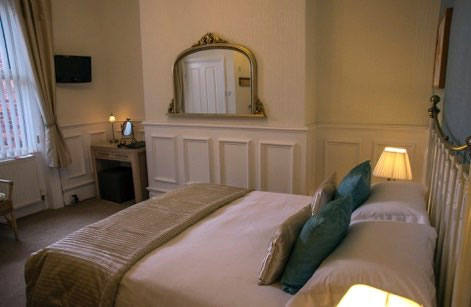 A beautiful double bedroom at High Tor Guest House, Whitby