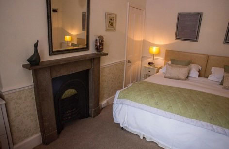 A lovely cosy double bedroom at High Tor Guest House, Whitby
