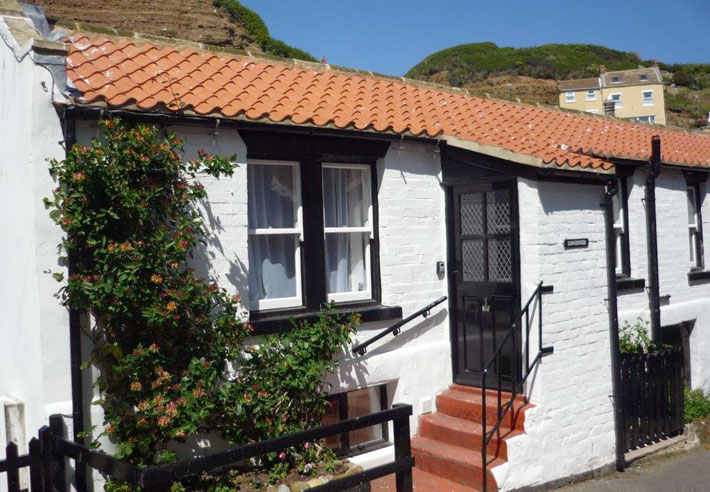 Longhouse is an attractive, characterful cottage in the heart of  Staithes