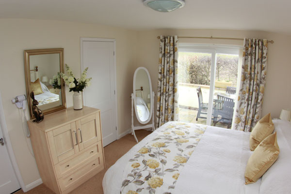 Bright & airy double bedroom in Lemon Cottage, Whitby