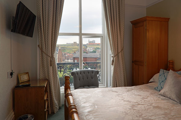 A great double bedroom at Number Seven Guest House, Whitby